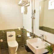 xuan-vinh-hotel-wc (1)