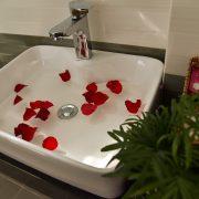 xuan-vinh-hotel-wc (2)