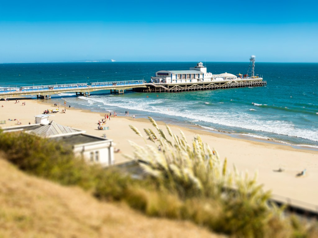 2. Bournemouth, Anh