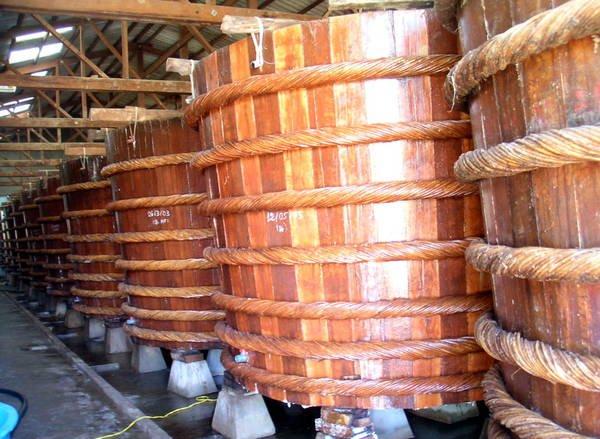 Nhà thùng nước mắm. Ảnh: Wikipedia