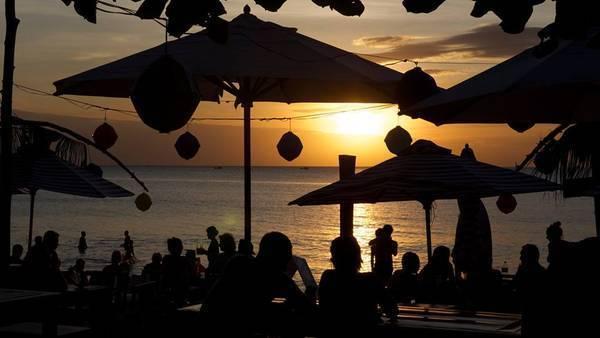 Ảnh: Rory's Beach Bar